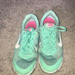 Nike Shoes - Nike flex experience RN 4 shoes